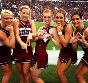 mississippi-state-cheerleaders-throwing-gang--L-_o7vF6