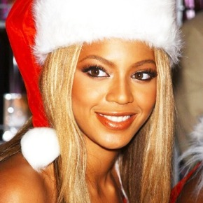 Now This Is The Christmas Spirit: Beyonce Gives Every Walmart Shopper Free Visa Cards!